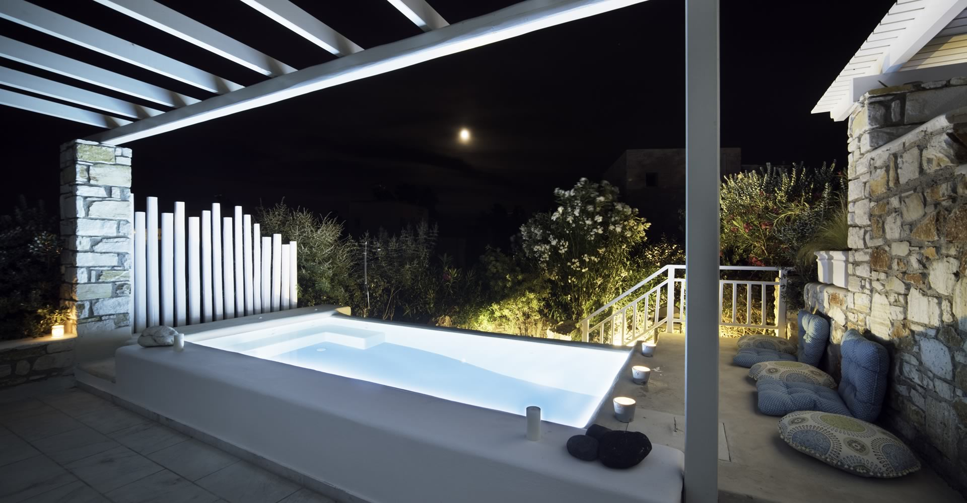 Eco pool night view Villa Nausithoe II